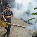 رش المبيدات بطرق صحية وآمنه